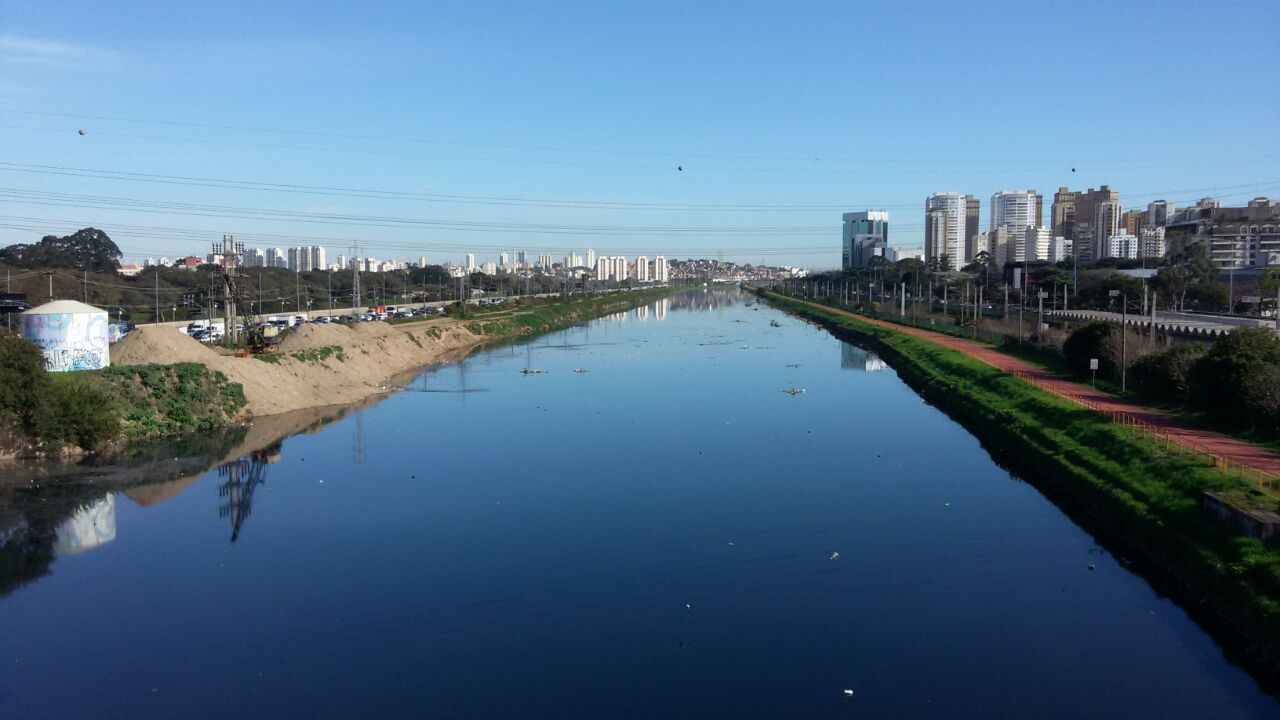 LifeSaver filters and purifies the Pinheiros River in Sao Paulo